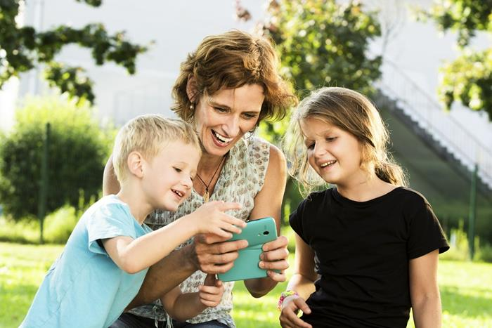 Mom kids cell phone
